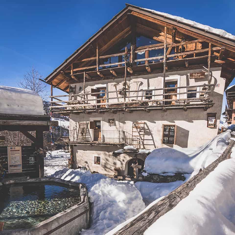 Rifugi aperti d'inverno in Val di Susa, Rifugio Fontana del Thures